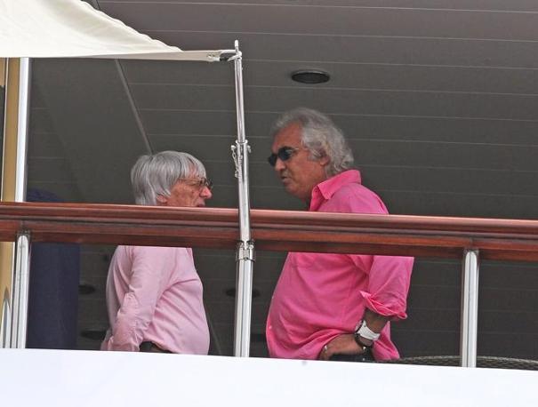 Briatore con Bernie Ecclestone, patron del Mondiale di Formula 1 (Colombo)