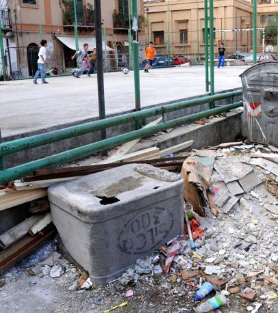 Le strade di Palermo invase dai rifiuti (Fucarini)
