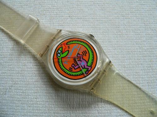 Un modello di Swatch ispirato all'arte di Keith Haring