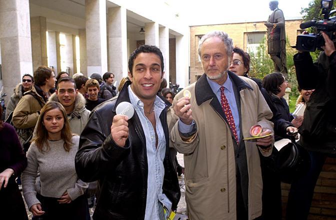 Al liceo «Giulio Cesare» di Roma con il professor Ferdinando Aiuti (Agf)