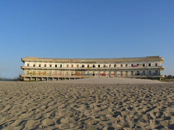 Spiaggia del Poetto, Cagliari. L'ospedale marino