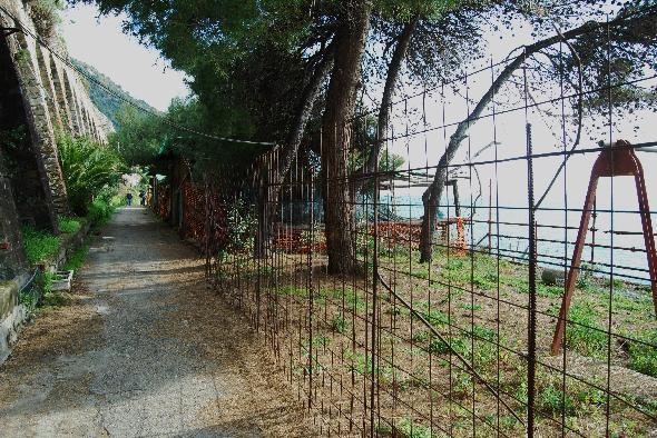 Cinque Terre, sentiero deturpato del parco nazionale (Segnalazione firmata)