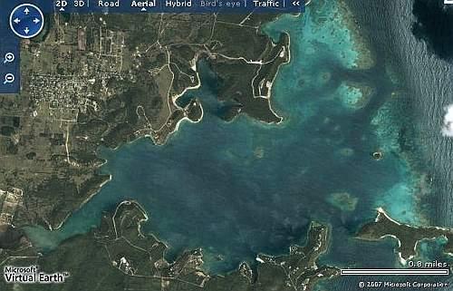 Una vista aerea, da Microsoft Virtual Earth, della Nonsuch Bay, dove sorgono la villa e il resort