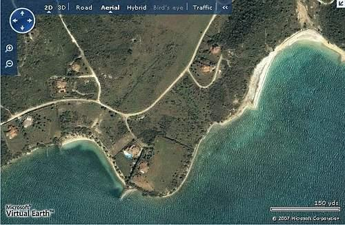 Una veduta, da Microsoft Virtual Earth, della villa di Berlusconi ad Antigua