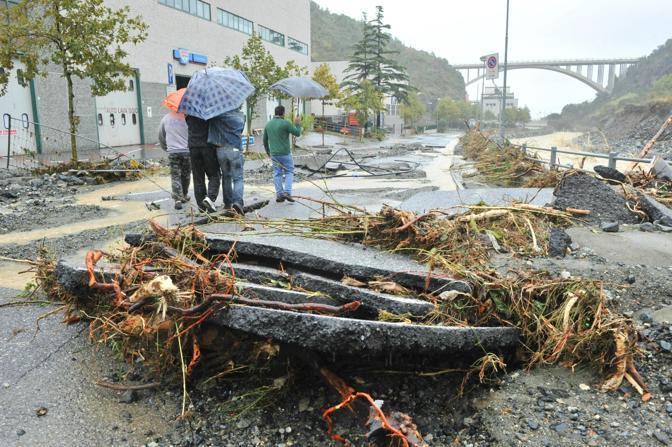 Alluvione nel comune di Cogoleto, nel ponente genovese. Straripano i torrenti Lerone e Arresta (Ansa)