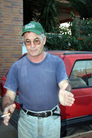 Carmelo Parisi, l'uomo  che era con Michele Misseri, quando trovarono il telefonino semibruciato di Sarah (Ansa/Ingenito)