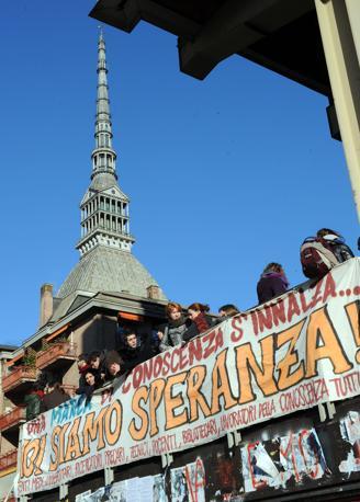 TORINO Nella città della mole la protesta degli studenti è culminata il 24 novembre in una grossa manifestazione (Ansa)