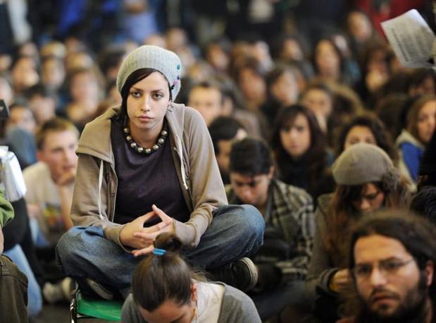 TORINO Studenti in assemblea (Ansa)