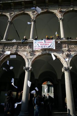 MILANO Gli studenti sono scesi in piazza il 25 novembre. La protesta è partita dalla Statale (Fotogramma)