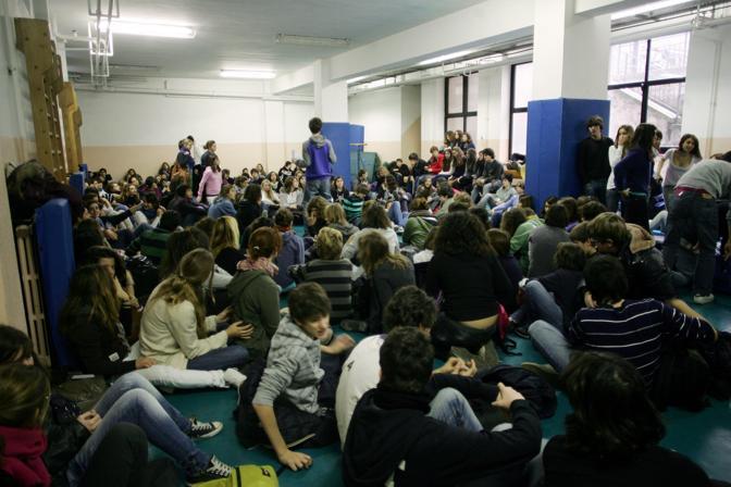 MILANO Assemblea al liceo Berchet