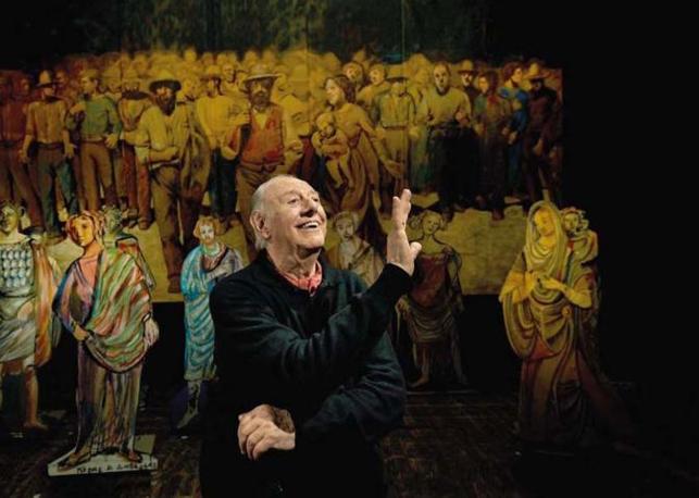 Il drammaturgo e autore dell?Opera Teatrale «Mistero Buffo» (scritta nel 1969) e premio Nobel per la Letteratura (nel 1997) Dario Fo nella sua veste di giullare al Teatro Nuovo nella ri-rappresentazione dell?opera buffa Foto di  Francesco Cito