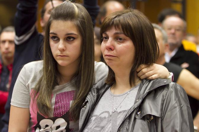 Le lacrime dei parenti delle vittime (A. Ramella)