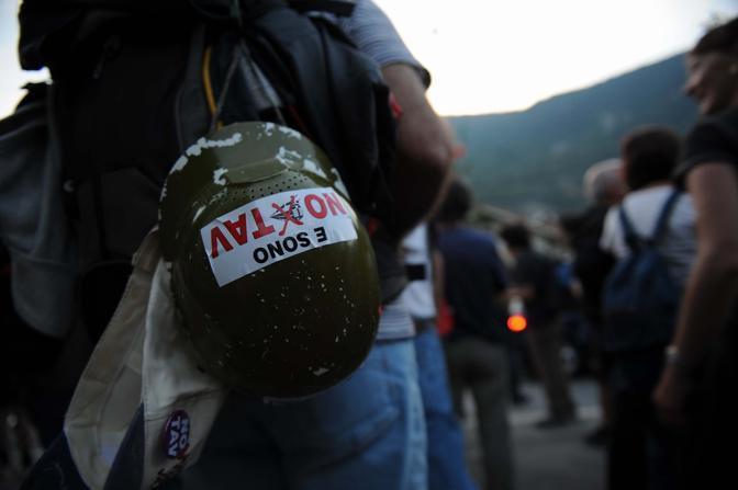 Un momento della manifestazione: secondo gli organizzatori avrebbero partecipato diecimila persone