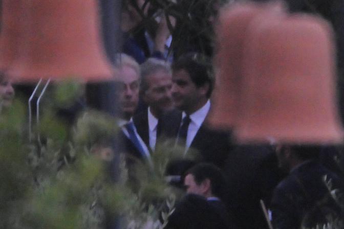 Al centro della foto Fabrizio Cicchitto e Raffaele Fitto invitati alle nozze del ministro della Funzione pubblica Renato Brunetta con Titti Giovannoni oggi 10 luglio 2011 a Ravello in Costiera Amalfitana (Ansa)