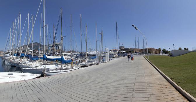 Palermo si riprende il porto turistico: dopo anni di degrado il lungomare e la «Cala» della città vengono restituiti ai cittadini (Sandro Scalia)