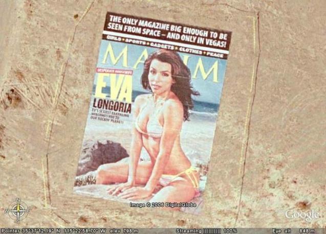 Deserto del Nevada, 2006. Una copertina di Maxim di 700 metri quadrati festeggia il numero 100 della rivista. Eva Longoria è la «cover star».