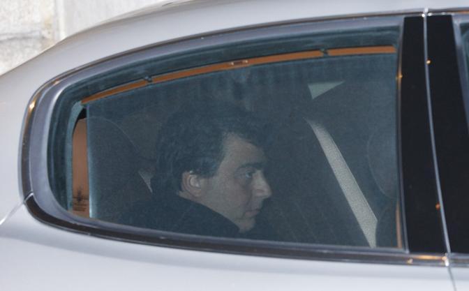 Valter Lavitola, 38 anni, è considerato l'uomo chiave dell'inchiesta. Avrebbe fatto da tramite con Tarantini, trattenendo con sé 400mila dei cinquecentomila euro pagati da Berlusconi (Ansa)