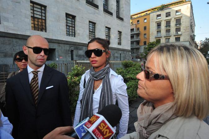Al palazzo di giustizia del capoluogo lombardo è ricominciato il processo a carico di Emilio Fede, Lele Mora e Nicole Minetti. L'accusa per loro è di favoreggiamento e induzione della prostituzione (Fotogramma)