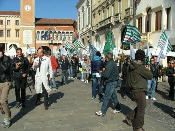 I rappresentanti territoriali dell'associazionismo civile hanno consegnato un documento unitario alle autorità