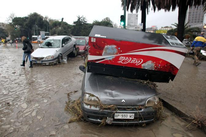 Il disastro a Genova (Newpress)