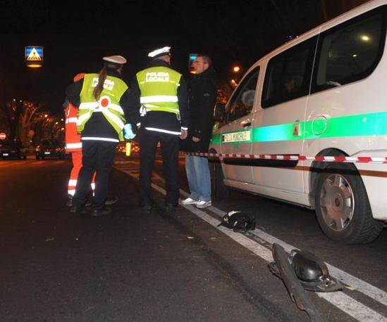 Il tratto di corso Peschiera a Torino dove un'auto pirata ha investito una famiglia che attraversava sulle strisce pedonali uccidendo un bambino di otto anni. Feriti i genitori (Fotogramma)