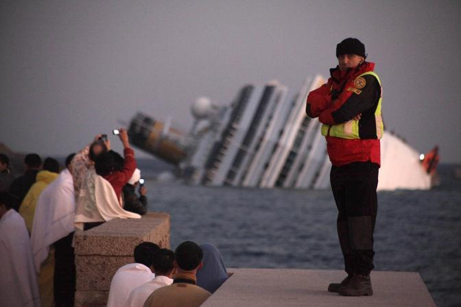 «È una corsa contro il tempo», viene spiegato dai soccorritori (Sestini)
