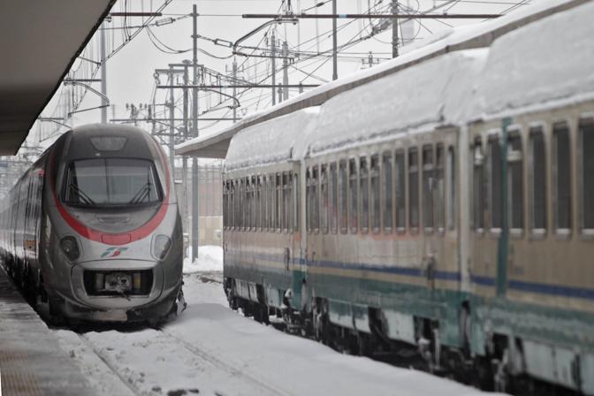 Neve e gelo nello scalo ferroviario di Bologna  (Fotoservizi)