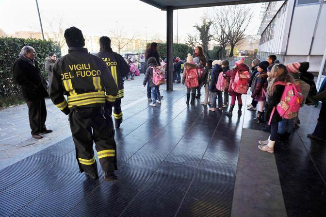 Milano evacuata la scuola primaria di via Ugo Pisa (Bettolini)