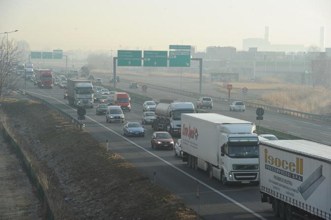 Traffico anche sull'A55 a Torino (Di Marco/Ansa)