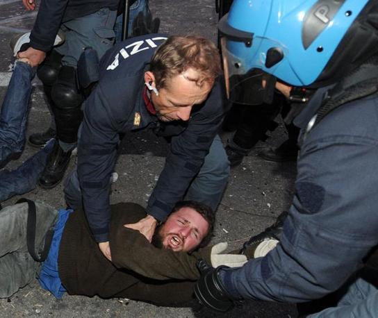 """Aveva apostrofato il carabiniere con il termine """"pecorella"""" (foto Ansa)"""