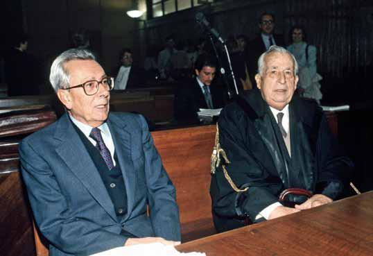 Nel 1993 l'ex segretario della Democrazia Cristiana, Arnaldo Forlani, viene interrogato da Antonio Di Pietro durante il processo Cusani. Il magistrato lo incalza in diretta tv