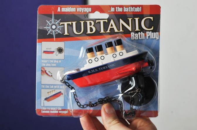 Titanic il giocattolo delle polemiche - Tappo vasca da bagno ...