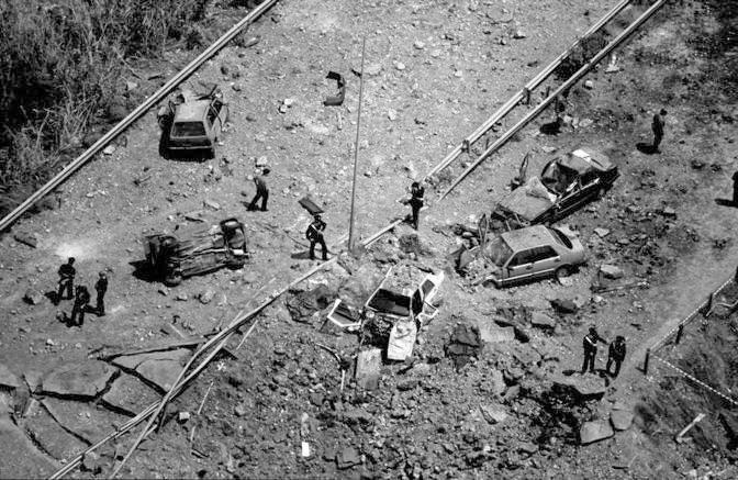Un'immagine dall'alto del luogo dell'attentato realizzata da Massimo Sestini (Foto Sestini - Archivio Corriere)