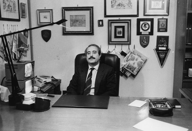 Nel suo ufficio a Palermo (Foto Omega - Archivio Corriere)