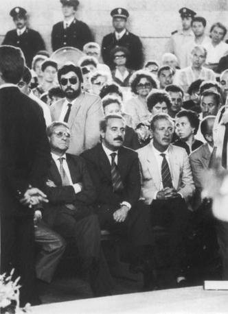 Agosto 89, Falcone e Borsellino ai funerali dell'agente Antonino Agostino e della moglie Ida Castellucci (Foto Ansa - Archivio Corriere)