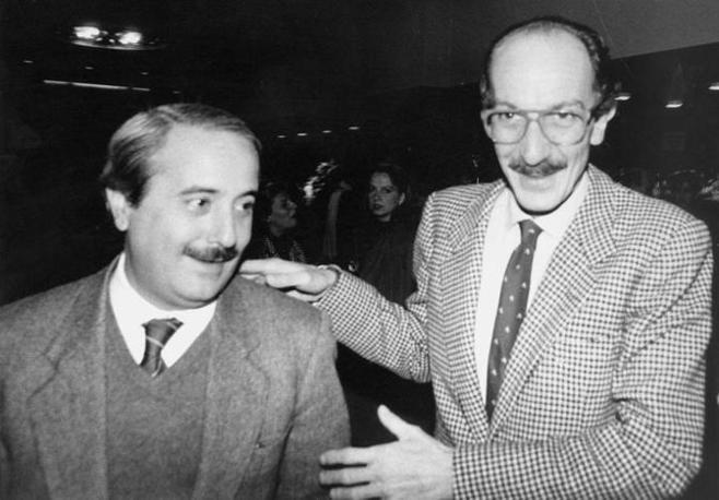 Con il giudice Giuseppe Ayala (Fotogramma - Archivio Corriere)