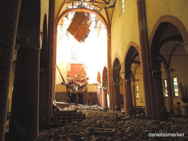 Il duomo di Mirandola devastato dal sisma (Daniela Smerieri)