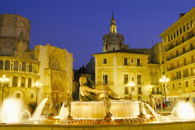 Valencia. La fontana di Plaza de la Virgen (Olycom)