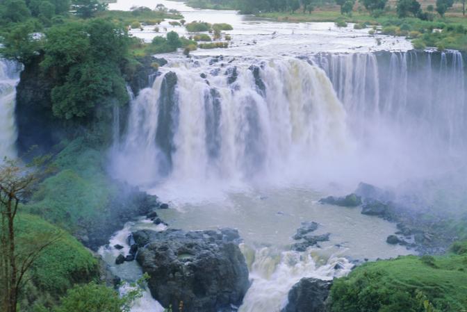 Una suggestiva veduta dell cascate del Nilo Azzurro in Etiopia (Olycom)