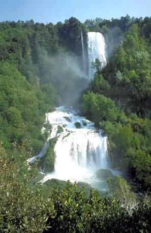 Umbria, cascate delle Marmore (Olycom)