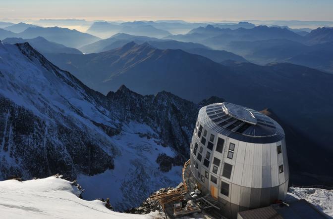 Il rifugio del Goûter, costruito sul versante francese del massiccio del Monte Bianco, sarà inaugurato il 30 agosto