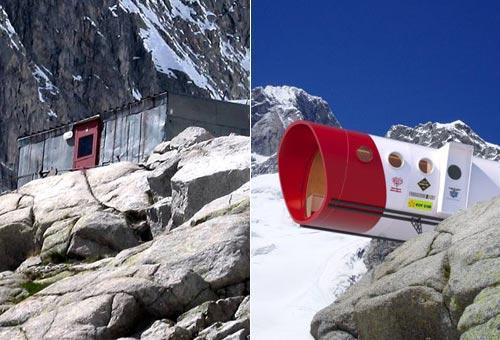 E' stato costruito su una punta di roccia a 2835 metri di altezza il bivacco Gervasutti. E' situato sotto le pareti delle Grandes e Petites Jorasses, nel gruppo del Monte Bianco.