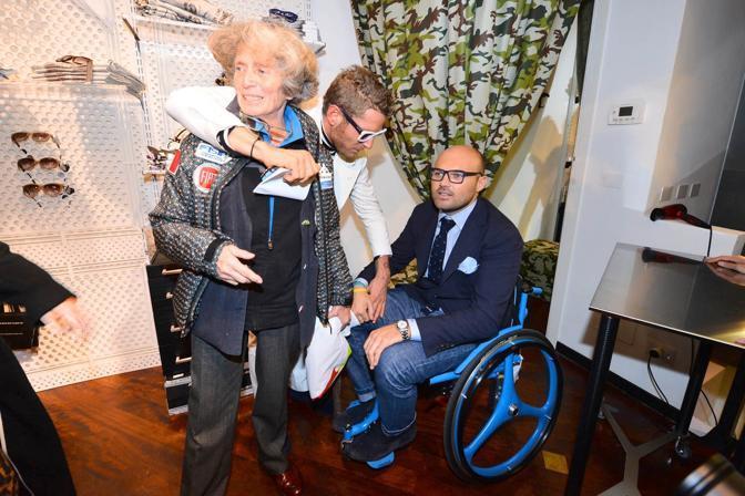 Sedie A Rotelle Torino : Lapo elkann produce una sedia a rotelle griffata