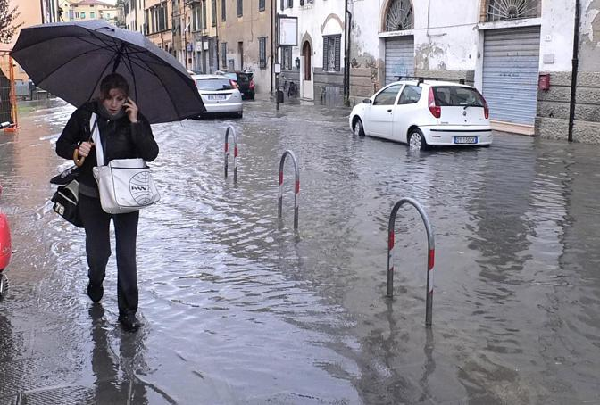 Strade allegate a Pisa (Ansa/Silvi)