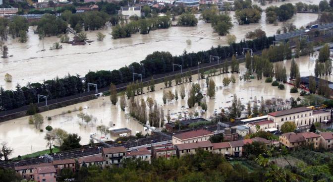 Una panoramica di Orvieto Scalo inondato dopo lo straripamento del fiume Paglia (Ansa/Ufficio stampa Comune Orvieto)