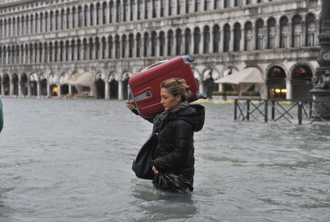 Venezia, partenze difficili (Ap)