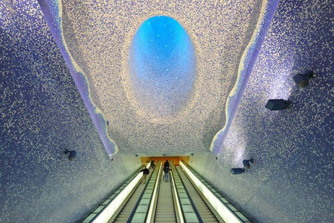 La stampa inglese premia la stazione della metro Toledo di Napoli come la pi� bella d'Europa
