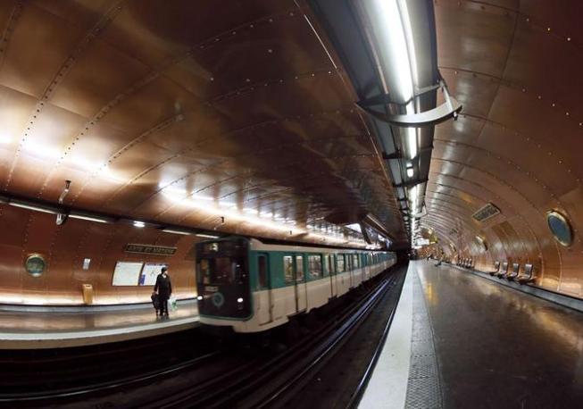 Il sottomarino della fermata Arts et Métiers di Parigi