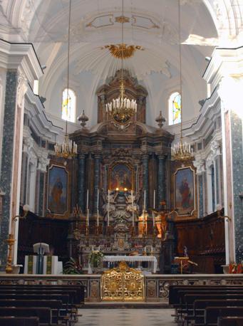 Giugliano, chiesa dell'Annunziata, altare