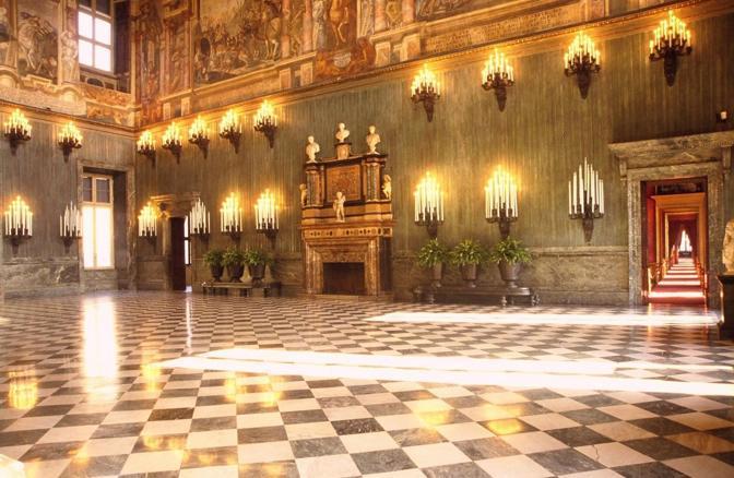 Mostra su «Vittorio Emanuele II, Il Re Galantuomo»: Il salone degli Svizzeri, Palazzo Reale